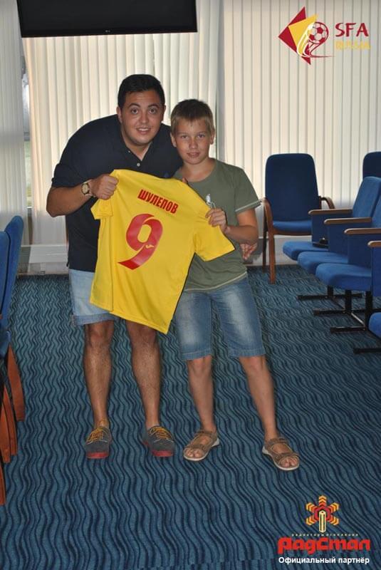 Именные футболки участников летних футбольных сборов 2016 в Бронницах